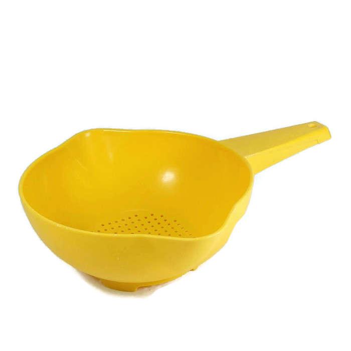 Outil de cuisine jaune jaune tupperware tamis passoire vintage etsy - Outil de cuisine liste ...