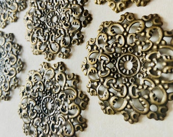 24 x LARGE FILIGREE CORNERS BRONZE TONE METAL EMBELLISHMENTS  MIXED MEDIA
