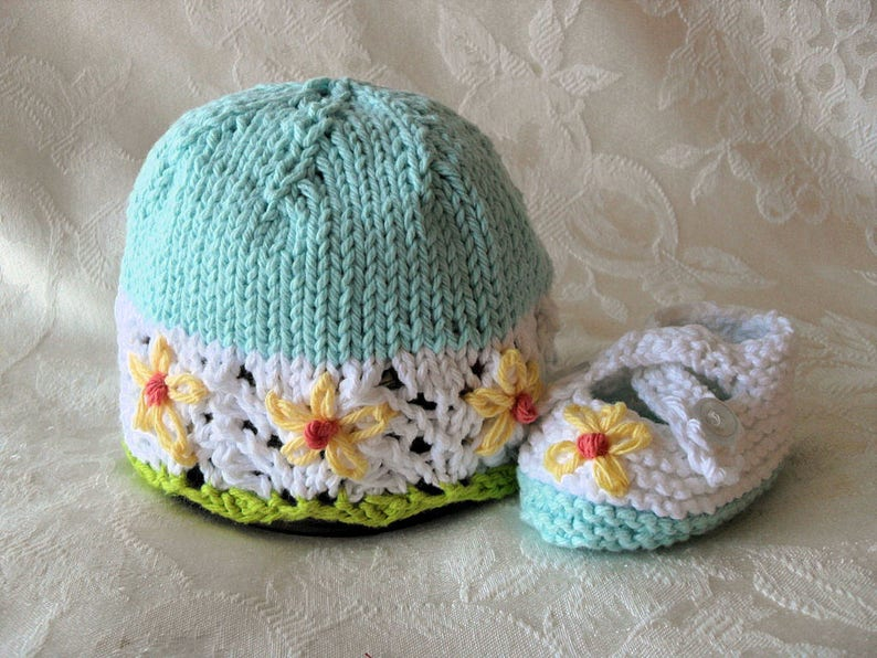 702a4ee5783 Baby Hat Knitting Knit Baby Cloche Baby Hat with Flowers Knit