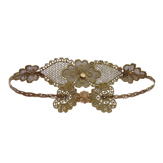 Gold lace belt with vintage brooch, high fashion accesory for a cocktail or wedding dress.