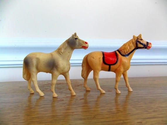 Lindo Verde Caballo Aretes Con Flor Amarilla Excelente Regalo Para Un Jinete del caballo