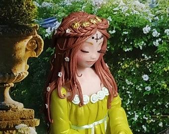 la princesse grenouille - figurine en porcelaine froide
