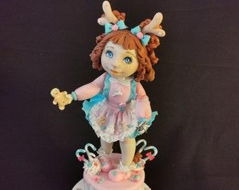 Ginger, poupée unique en porcelaine froide
