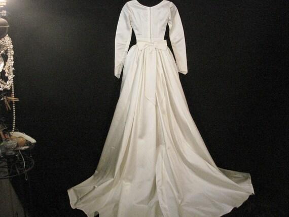 White Satin Vintage 1940s Wedding Dress With Train XS | Etsy
