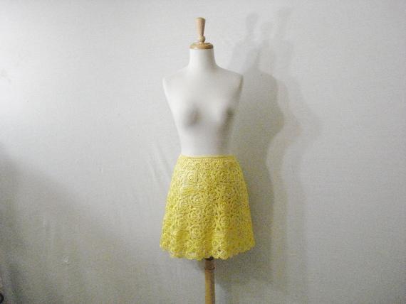 Yellow Crochet Mod Mini Skirt Natural Fibers Vinta