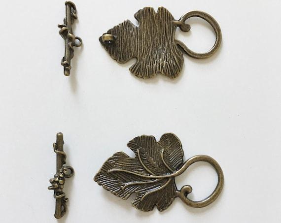 Antique Bronze Grape Leaf Toggle Clasp Set, 2 Piece Grape Leaf Toggle Bar Clasp