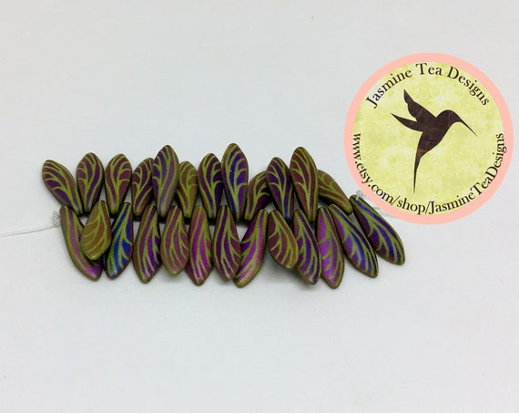 Laser Etched Wasabi Wing 5x16mm Dagger Beads, 25 Daggers Per Strand