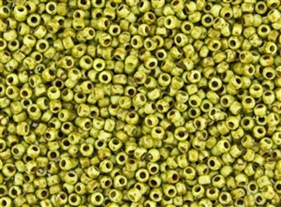 TOHO Size 8 Hybrid Frosted Sour Apple Picasso Seed Beads Size 8/o Round, TOHO Color Y310F Seed Beads In 2.5 Inch Tubes