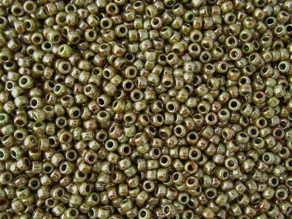 TOHO Size 8 Hybrid Opaque Ultra Luster Green Picasso Seed Beads Size 8/o Round, TOHO Color Y182 Seed Beads In 6 Inch Tubes, 27 To 29 Grams