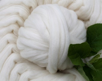 Combed Top - CVM wool in natural white