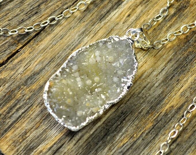 Druzy Necklace, Druzy Pendant, Druzy Jewelry, Silver Druzy Necklace, Silver Druzy Pendant, Sterling Silver Chain