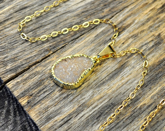 Druzy Necklace, Druzy Pendant, Druzy Jewelry, Gold Druzy Necklace, Gold Druzy Pendant, Neutral Light Druzy, 14k Gold Fill Chain