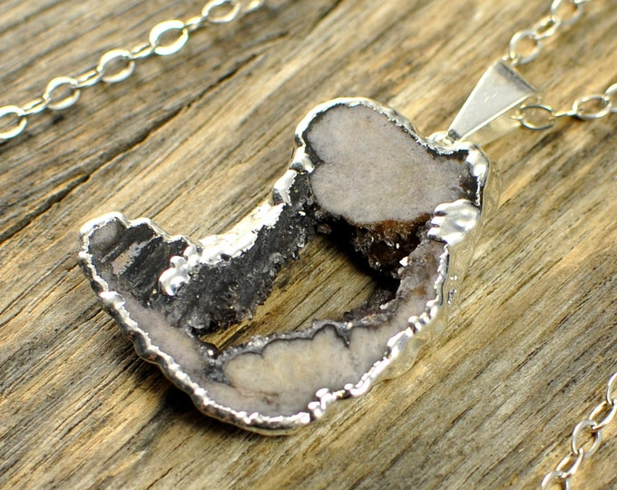 Small Geode Necklace, Geode Pendant, Geode Slice Necklace, Geode Slice Pendant, Geode Silver Necklace, Sliver Pendant, Sterling Silver Chain