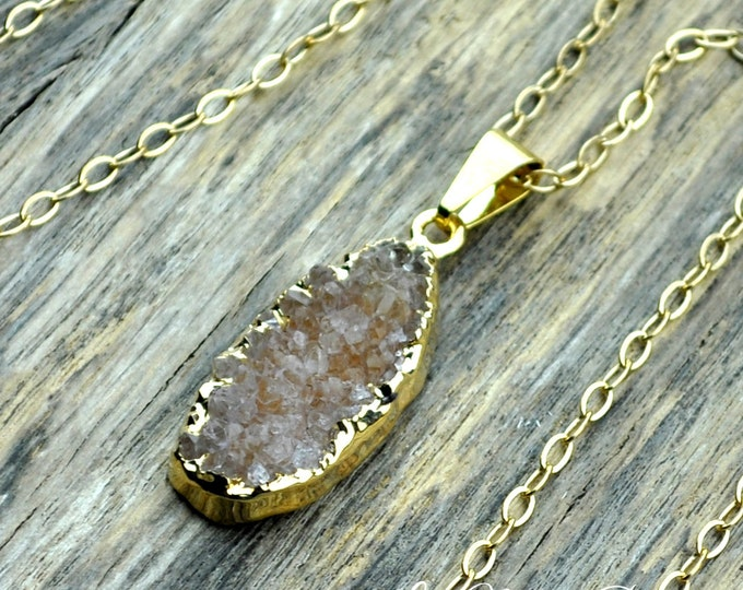 Druzy Necklace, Druzy Pendant, Orange Druzy, Pale Druzy, Gold Druzy, Natural Druzy, Druzy Crystal, Druzy Stone, Druzy, 14k Gold Fill Chain