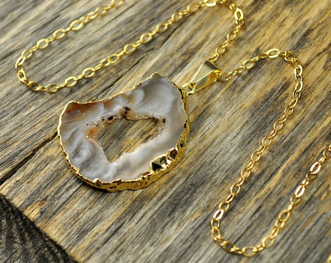 Geode Necklace, Geode Pendant, Geode Slice Necklace, Geode Slice Pendant, Geode Gold Necklace, Geode Gold Pendant, 14k Gold Fill Chain