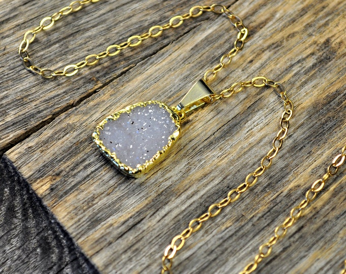 Druzy Necklace, Druzy Pendant, Druzy Jewelry, Gold Druzy Necklace, Gold Druzy Pendant, Light Lavender Druzy, 14k Gold Fill Chain