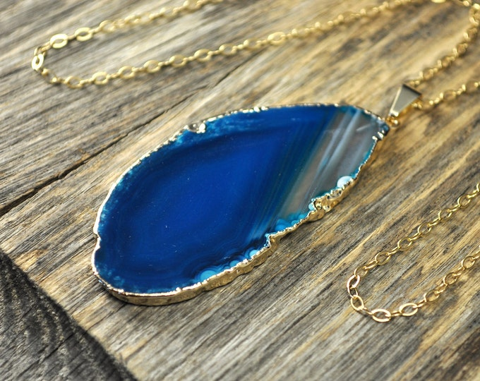 Agate Necklace, Teal Agate Slice Necklace, Agate Pendant Necklace, Agate Gold Necklace