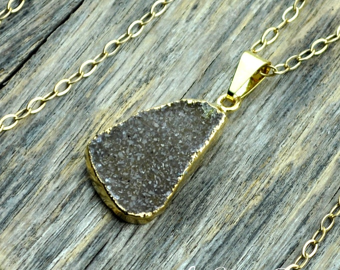Druzy Necklace, Druzy Pendant, Green Druzy, Lime Druzy, Gold Druzy, Natural Druzy, Druzy Crystal, Druzy Stone, Druzy, 14k Gold Fill Chain