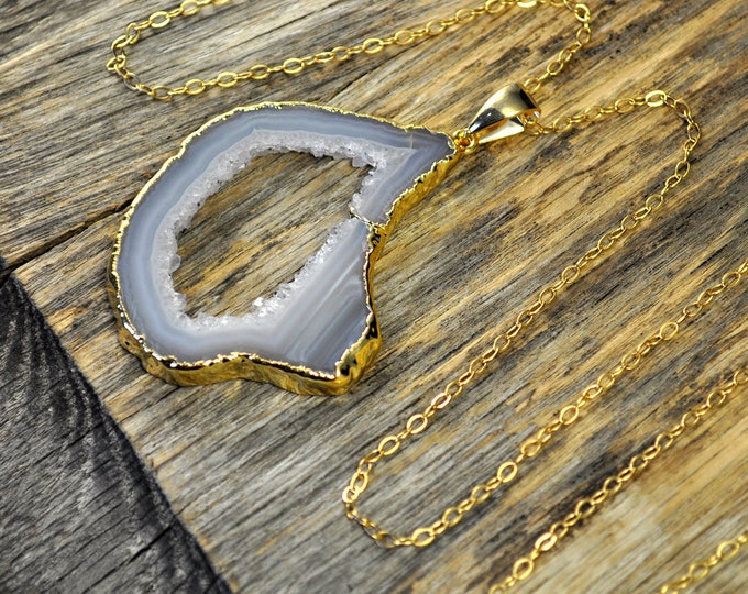 Large Geode Necklace, Geode Pendant, Geode Slice Necklace, Geode Slice Pendant, Geode Gold Necklace, Geode Gold Pendant, 14k Gold Fill Chain