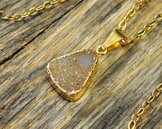 Small Druzy Necklace, Small Druzy Pendant, Gold Druzy Necklace, Gold Druzy Pendant, Natural Druzy Necklace, Pale Druzy, 14k Gold Fill Chain
