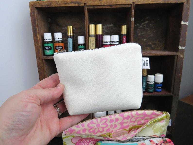 Zipper Pouch ITY-BITY  Fresh White  mini change pouch image 0