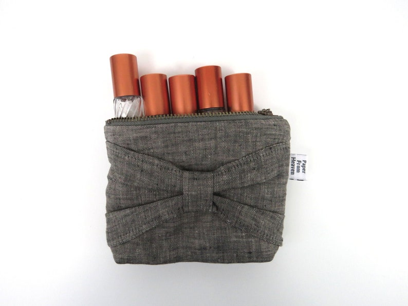 Bow Zipper Pouch ITY-BITY  Charcoal  mini change pouch image 0