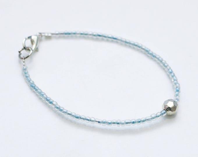 Customizable thin seed bead bracelet any colour.