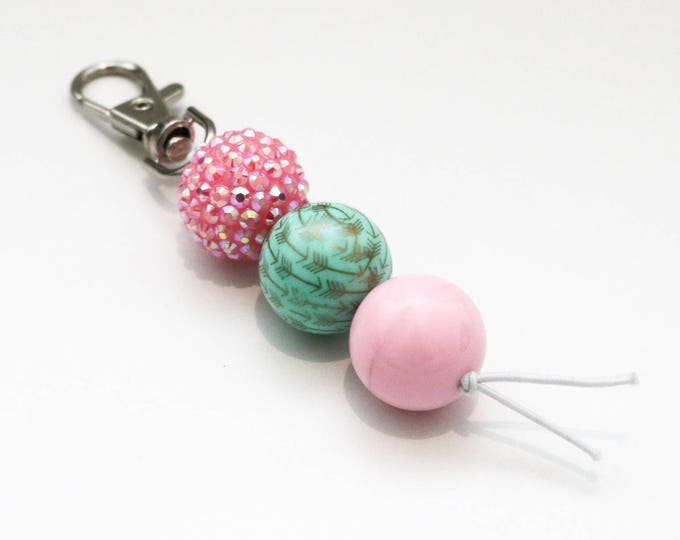 Pink, Green and Sparkles Beaded Keychain | Zip Pull.