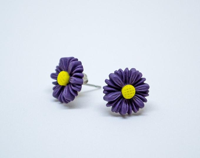 Purple Daisy Post Stud Earrings.