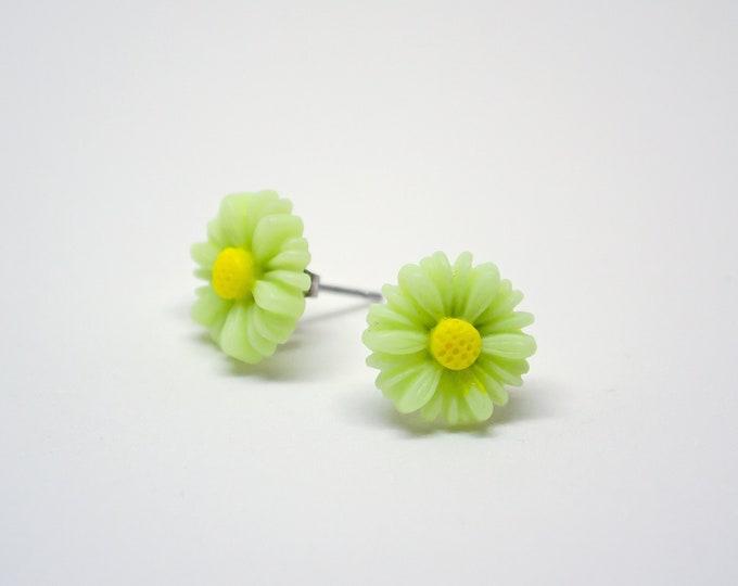 Light Green Lime Daisy Post Stud Earrings.