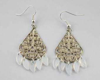 Raindrops Chandelier Earrings in White/Silver
