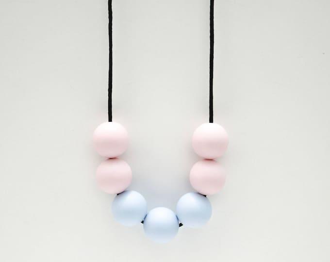 Posé Silicone Beaded Sensory Pastel Necklace.