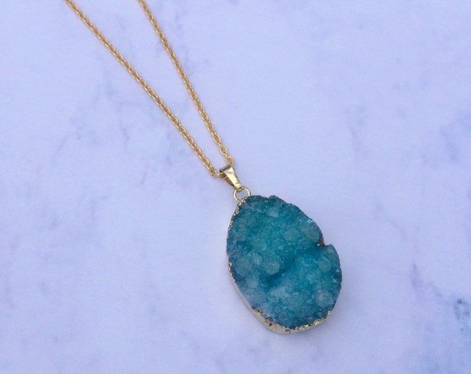 The Robjant Couture Druzy Crystal Necklace in Turquoise/Gold.