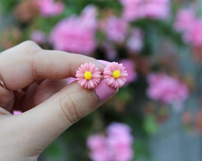 Light Pink Post Stud Daisy Earrings.