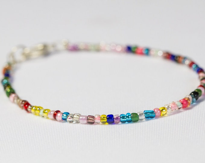 Customizable thin seed bead bracelet any colour