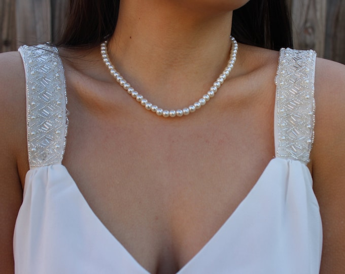 Classic Pearl Necklace.