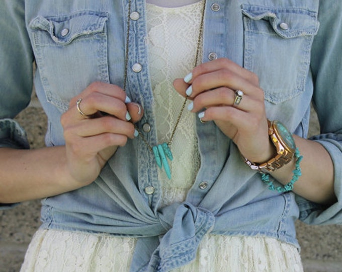 Three Drop Turquoise Pendant Necklace.