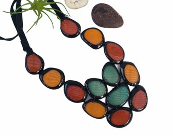 Tagua Fuchsia bib necklace/Statement bib necklace/ Pink and berry  bib bold necklace/Purple Necklace/ by Allie