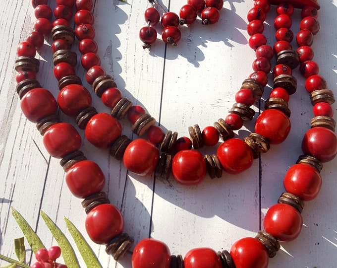 Tagua long layered necklace/ green necklace/red necklace/ statement necklace/chunky jewelry/handmade necklace