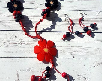 Flower necklace /tagua small flowers necklace/ long necklace/ gift ideas/ costume jewel/ by Allie