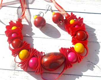 Lace beaded necklace/ Chunky Tagua necklace/ Statement Necklace/ Colorful necklace/ Candy necklace /Eco friendly Organic jewelry/ by Allie