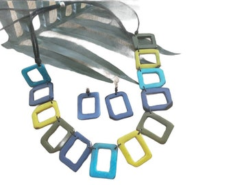 Tagua geometric blues and green necklace/Cubes tagua necklace/Color block necklace/Gifts for mom/Ecofriendy jewelry/Ethical beads jewelry