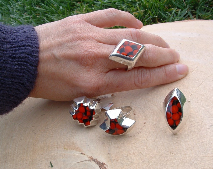 Size 5 to 7.5 Sterling silver adjustable rings eco-friendly with rainforest seeds