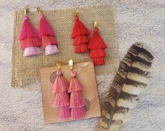 Tassels long earrings/3 layered Tier tassels earrings in gold/ Ombre earrings/ Boho earrings/Hippie earrings/ Red Tassel/Pink tassel earring