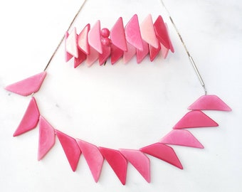 Tagua geometric necklace/ Triangles necklace/ Tagua jewelry set/ Gifts for mom/ Pink necklace/Eco handmade jewelry