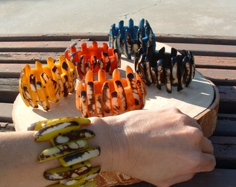 Tagua nut bracelet/tagua jewelry/claw bracelet/marble tagua glossy bracelet/assorted colors