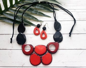 Red Tagua necklace/ Red and black necklace/ Statement bib babero necklace/Anchor necklace/Portoviejo Queen/ Organic jewel by Allie