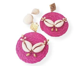 Statement OOAK  fuchsia straw earrings / Rattan wire wrap earrings/ Wicker Summer earrings/Shells earrings/Beach earrings