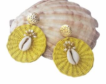 Statement OOAK yellow wicker straw earrings / Rattan wire wrap earring/Summer jewelry/Shells earrings/Beach earrings