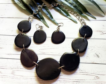 Eco friendly necklace/Tagua slices necklace set/Black necklace/Purple necklace/ Statement necklace/ Tagua and chain necklace/Organic jewelry
